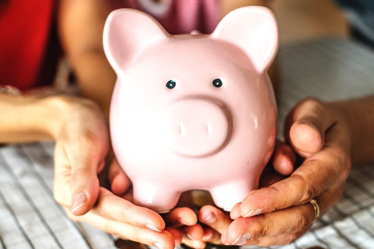 Utilización de ahorros para salir de la lista de morosos